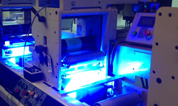 Sự cố tĩn điện khi in ấn tem nhãn